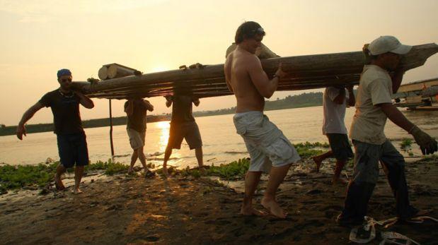 Río Amazonas: ¿Te animarías a competir en la carrera de balsas?