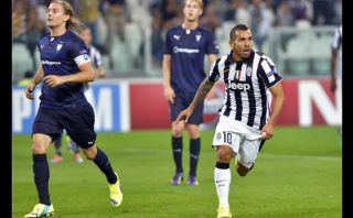 Volvió con golazos: Tévez marcó en Champions tras cinco años