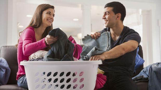 Dividir las tareas del hogar brinda mejor sexo