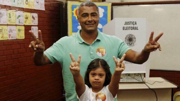 Brasil: Romario gana por goleada y se convierte en senador