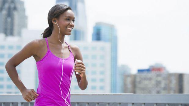 ¿Por qué es bueno escuchar música mientras corremos?