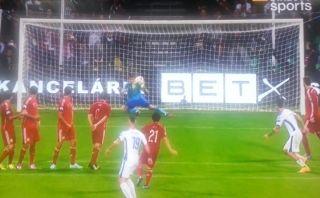 'Blooper' de Casillas en gol de Eslovaquia contra España