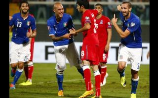 Italia venció a Azerbaiyán con dos goles de Chiellini