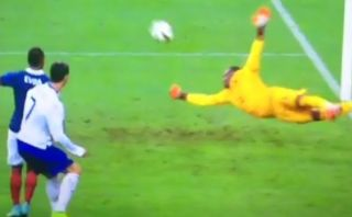 La espectacular atajada que evitó el gol de Cristiano Ronaldo