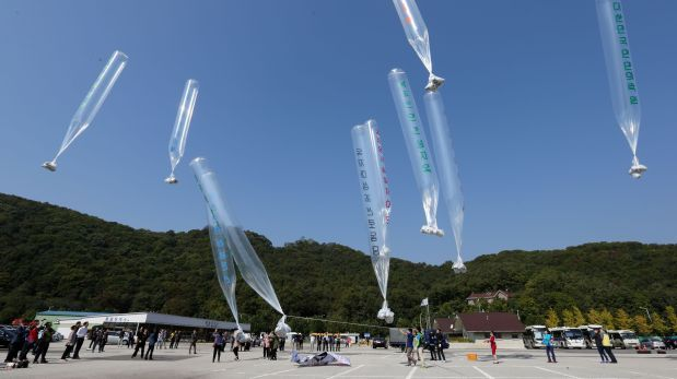 Corea del Norte amenaza con una guerra por estos globos