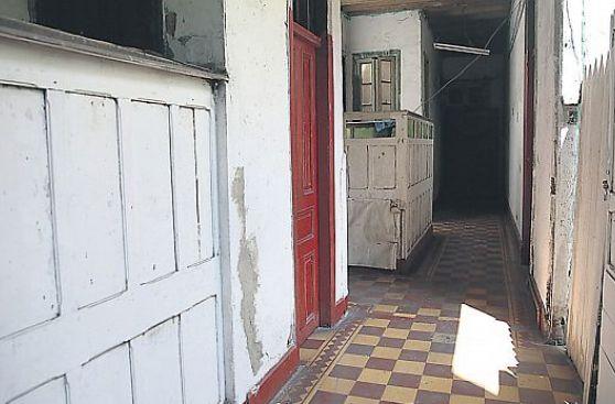 Todas las casonas en plaza Dos de Mayo en riesgo por malos usos