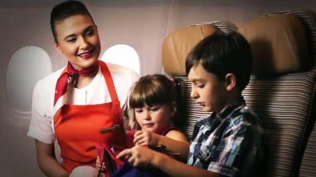 Aerolínea ofrece servicio de niñeras gratuito a bordo