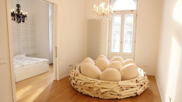 Relájate en este mueble con forma de nido de pájaro
