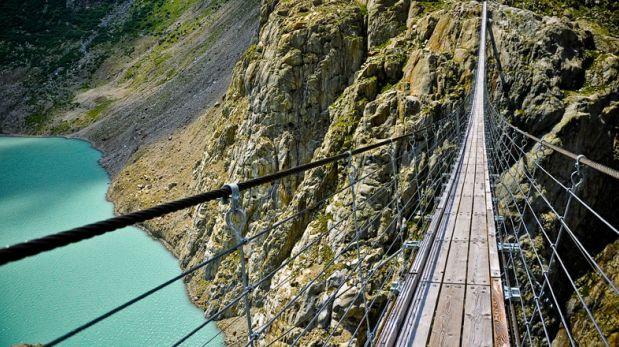 Observa los Alpes Suizos desde este espectacular puente