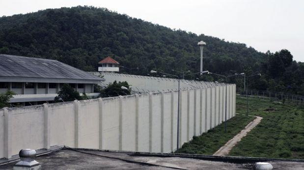Interactúa con los presos en esta peligrosa cárcel de Tailandia
