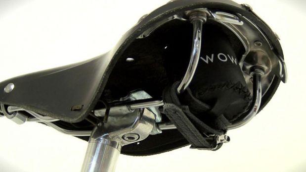 ¿Cómo escuchar música a través del asiento de la bicicleta?