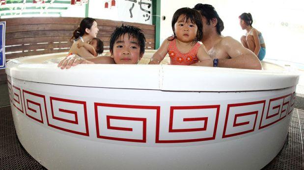 Yunessun Spa: Aquí te bañas en una extraña tina con fideos