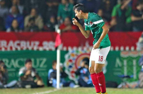 Murió Chespirito: selección mexicana le rinde homenaje