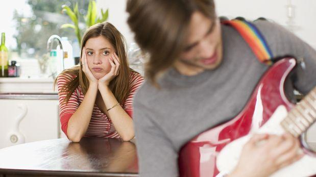 Cinco actitudes masculinas que no sorprenden a las mujeres