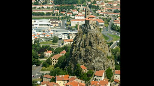 Saint Michel, esta capilla está encima de un monte volcánico