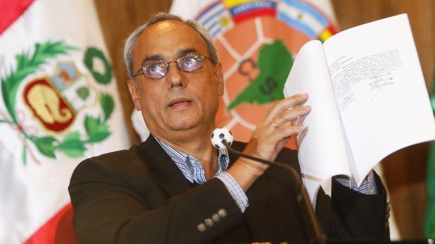 Manuel Burga confirmó que no seguirá más en la FPF (AUDIO)