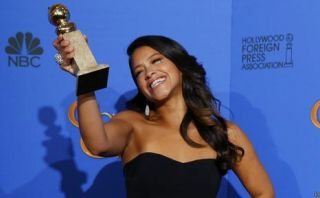Gina Rodríguez, novata hispana que brilló en los Globos de Oro