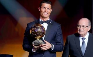Cristiano Ronaldo ganó tercer Balón de Oro de su carrera