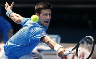Australian Open: Djokovic logró rotunda victoria en su estreno