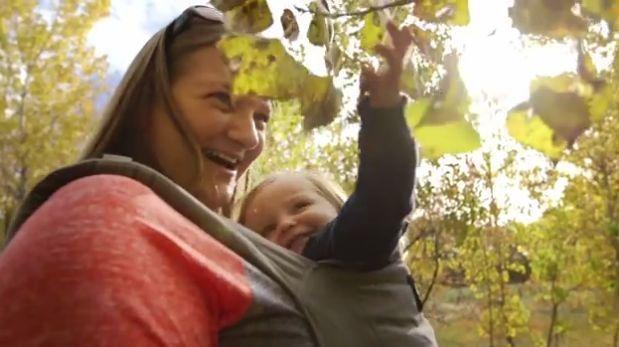 Mira estos emotivos videos inspirados en mamá
