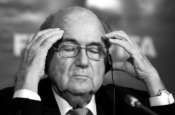 FIFA: Figo, Blatter y los candidatos al sillón presidencial