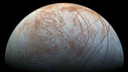 La NASA estudia enviar una nave a la luna de Júpiter