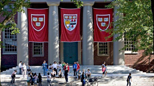 Harvard prohíbe relaciones sexuales entre alumnos y profesores