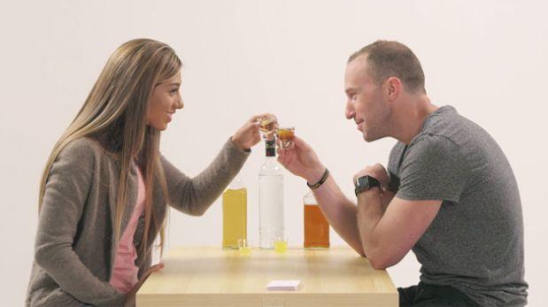 """Estas parejas se """"confiesan"""" acompañadas de un shot de alcohol"""