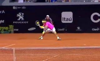 Rafael Nadal deleitó al público con estupendo punto en Brasil