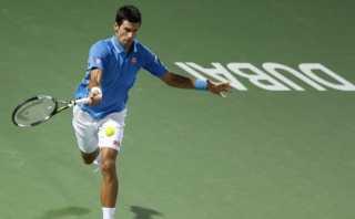El fantástico punto de Djokovic contra Roger Federer en Dubái