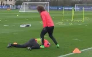 David Luiz y el golpe que 'noqueo' a Zlatan Ibrahimovic