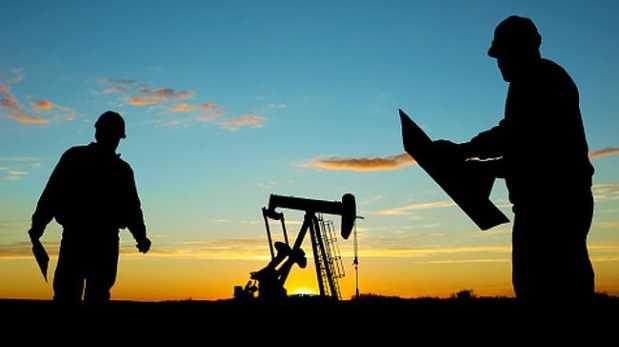 Fortalecimiento del dólar golpeó precio de metales y petróleo