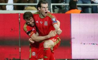 Bale anotó doblete y encaminó a Gales a su primera Eurocopa