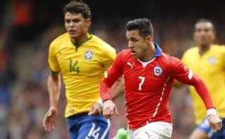 Alexis Sánchez realizó genial pase con la espalda ante Brasil