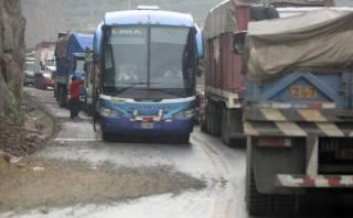 Carretera Central sigue con bloqueos intermitentes por limpieza