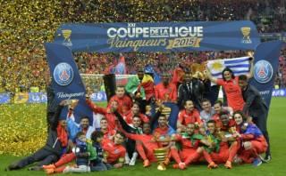 PSG goleó y alcanzó el título de la Copa de la Liga de Francia