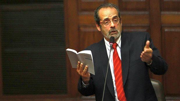 Constitución pide acatar fallo reivindicatorio a Diez Canseco