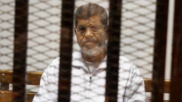 Egipto: Condenan al ex presidente Mursi a 20 años de prisión