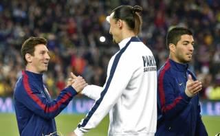 Zlatan Ibrahimovic y el saludo fraterno con Lionel Messi