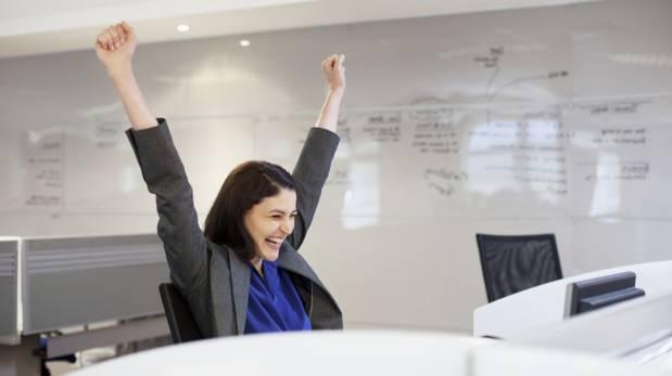 Aprende a negociar el sueldo que mereces y no te subestimes