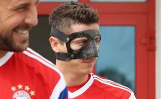 Lewandowski, convocado por Guardiola, arrancaría en España
