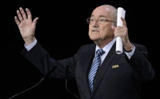 FIFA: Joseph Blatter ganó la elección tras retiro de Hussein