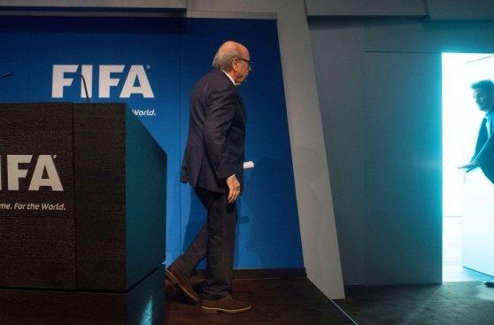 Blatter: las imágenes de la conferencia de su adiós a la FIFA