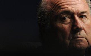 Joseph Blatter renunció a la FIFA y el FBI lo tiene en la mira