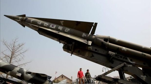 Corea del Sur probó misil capaz de abarcar toda Corea del Norte