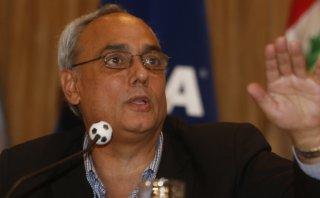 """Burga defendió a Blatter: """"Hizo una gran labor en la FIFA"""""""