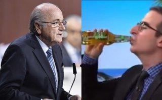 John Oliver cumplió su apuesta tras renuncia de Blatter (VIDEO)