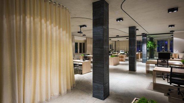 Espacios únicos: mira esta oficina que se separa con cortinas