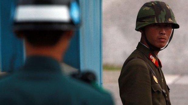 Soldado de Corea del Norte deserta hacia Corea del Sur