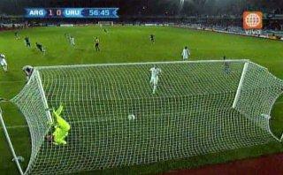 Argentina vs. Uruguay: Agüero marcó el 1-0 con este cabezazo